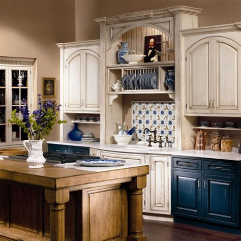 old style kitchen cabinets best kitchen interior design ideas old style kitchen