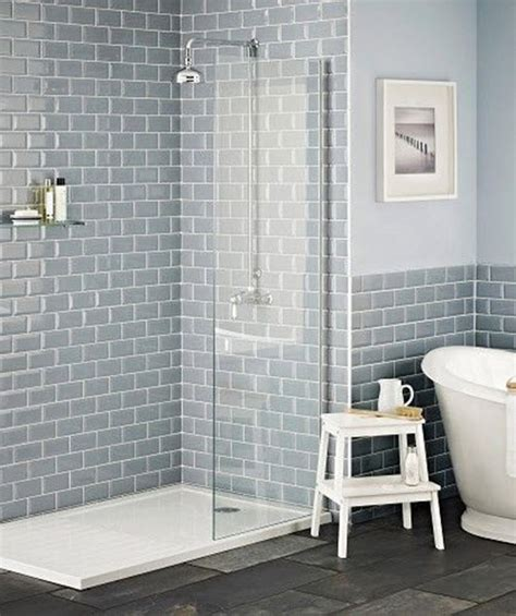 Badezimmer Mit Unterschiedlichen Fliesen by 35 Blue Grey Bathroom Tiles Ideas And Pictures