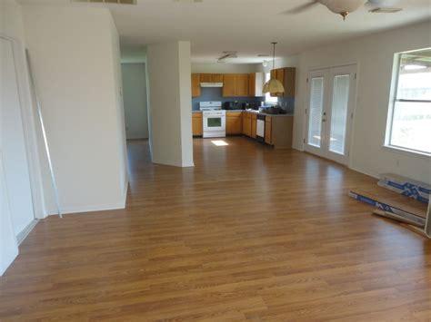 Flooring Huntsville Tx by Home Charisma Plus Laminate From Lumber Liquidators