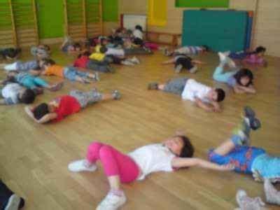imagenes niños haciendo psicomotricidad 17 mejores im 225 genes sobre desarrollo fisico y salud en
