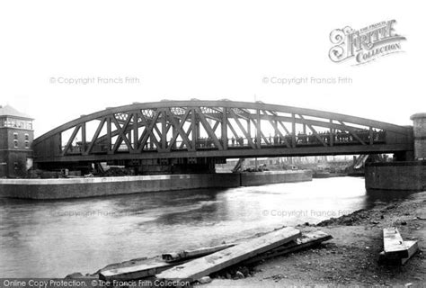 swinging bridge hotel trafford manchester ship canal trafford swing bridge 1894