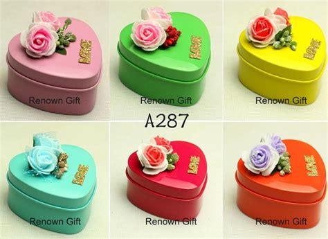 Kotak Jeruk Imlek Bunga Bunga Kotak Hadiah Kotak Oleh Oleh Imlek Murah kotak tin small tin box cenderahati perkahwinan