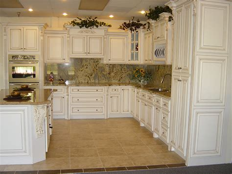 paint kitchen cabinets antique white how to paint kitchen cabinets antique white lynda