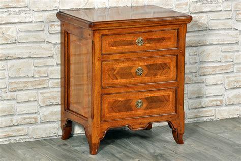 comodino stile provenzale comodino di lusso intarsiato in legni pregiati riprodotto