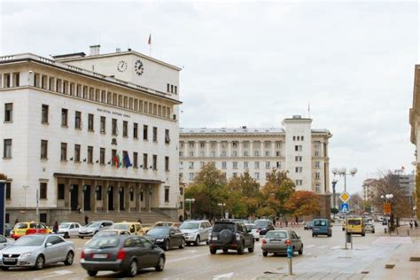 si鑒e de la banque centrale europ馥nne a qui profite la crise bancaire en bulgarie euractiv fr