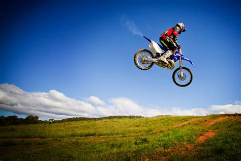 motocross racing tips motocross tip racing two strokes dirt