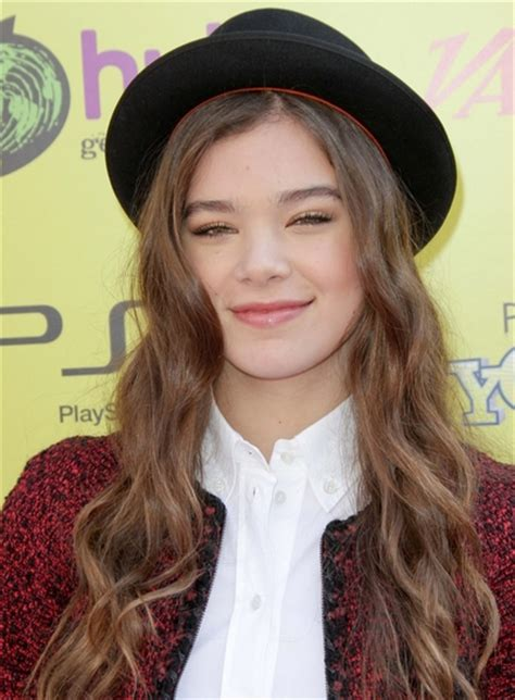 actresses with brown hair that play on soap operas hailee steinfeld beauty riot
