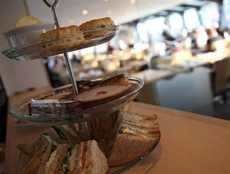thames river cruise afternoon tea deals book a river thames afternoon tea cruise attractiontix