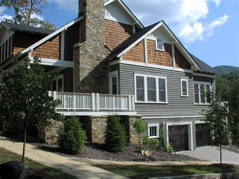gray siding house best 25 cedar shake siding ideas on pinterest shake siding cedar shakes and siding