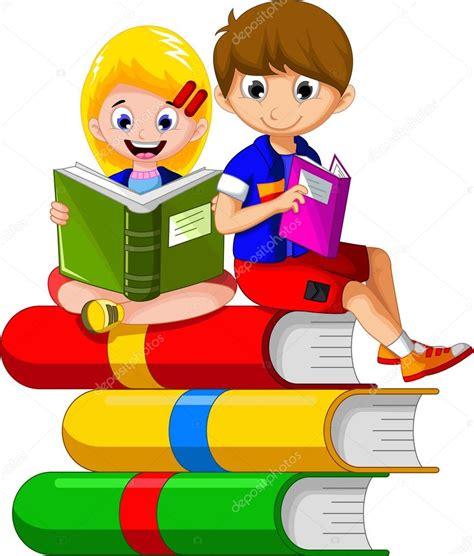 imagenes animadas leer ni 241 o leyendo libro mientras sentado en la pila de libros
