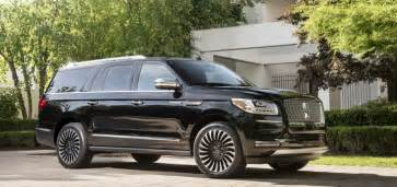 Lincoln Navigator L Vs Cadillac Escalade Esv 2018 Lincoln Navigator L To Challenge Escalade Esv Gm