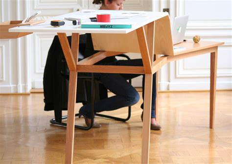 desk goes up and down sit down stand up this desk will fix your posture tnw