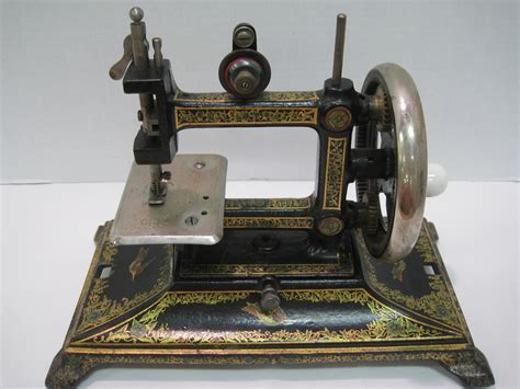 Antiques Art And Collectibles Antique Miniature Sewing