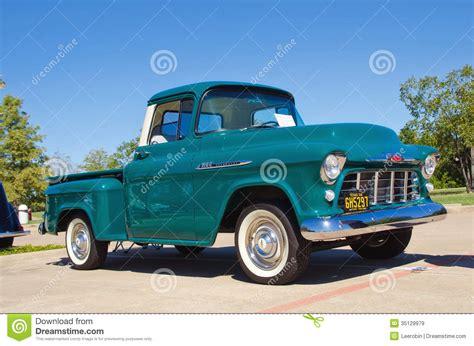 imagenes de pickup chevrolet camioneta pickup 1956 de chevrolet apache 3100 imagen de