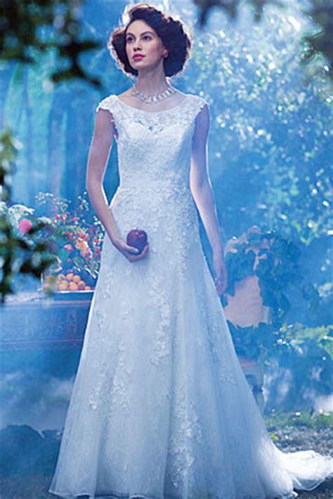 Gaun Frozen desainer ciptakan gaun pengantin terinspirasi dari elsa frozen free buzzer
