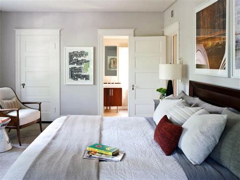 designer tricks  living large   small bedroom hgtv