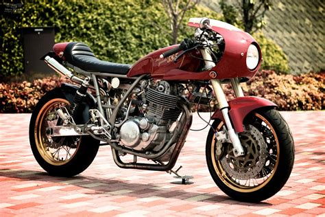 neo caf 233 racer yamaha sr400 by goods custom motorcycles