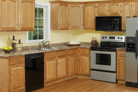 Light Kitchen Cabinets by Is Light Oak Kitchen Doors Still Relevant Light Oak