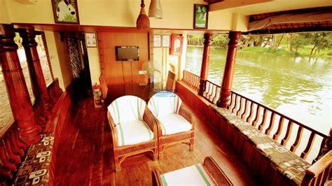 upper deck houseboat 1 bedroom deluxe houseboat with upperdeck alleppey