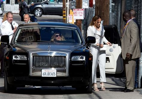 roll royce celebrity jennifer lopez makes an entrance in her rolls royce