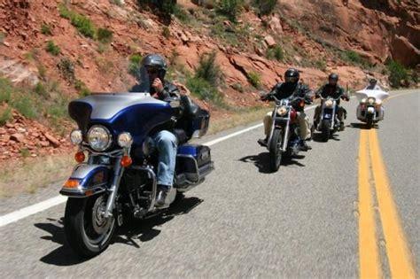 Motorradfahren Zu Zweit Mit L by Motorrad Ratgeber Motorrad F 252 R Kauf Und Fahren Die Welt