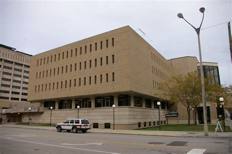 Lake County Arrest Records Il Lake County Us Courthouses