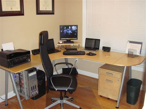 Things To Put On Your Office Desk by How To Create The Home Office Part 1 The Desk