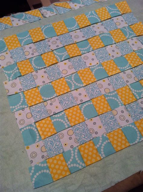 diy gender neutral baby quilt with minky easy binding