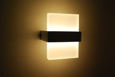 Led Bedroom Wall Lights 10 Varieties To Illuminate Your Lights On Wall In Bedroom