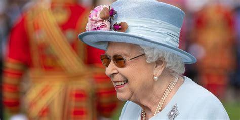 queen elizabeths  garden party  summer
