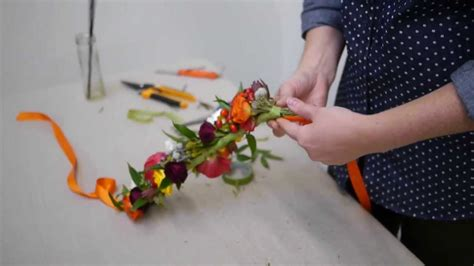 How To Make A Flower Crown Out Of Paper - how to make a beautiful flower crown real flowers