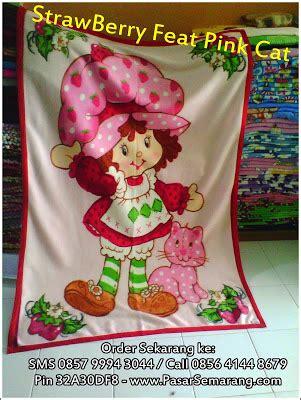 Sprei Katun Pink Cat 145x200x20cm selimut lembut penggemar kartun strawberry