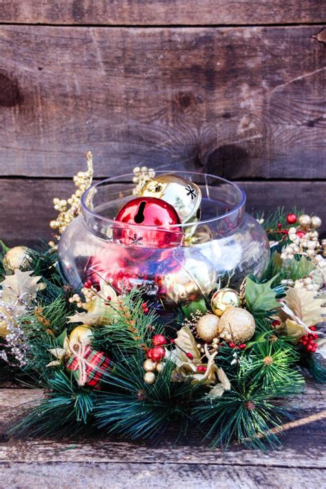 30 inexpensive and cheap christmas centerpiece ideas