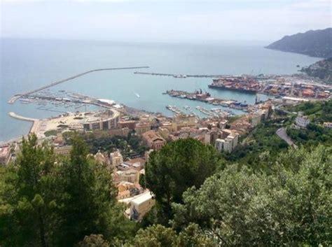porto di salerno il porto di salerno e la costiera vista dal