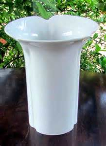 arzberg vase german arzberg vase german scalloped flared