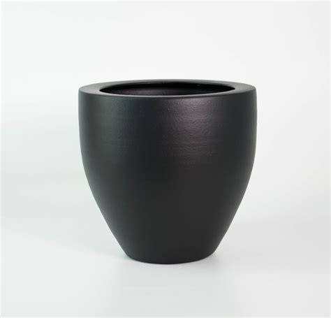 chic matt black pot planter plantandpot nz