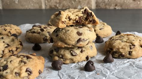 Keecake Chocochip Soft Baked Cookies easy soft and chewy chocolate chip cookie recipe