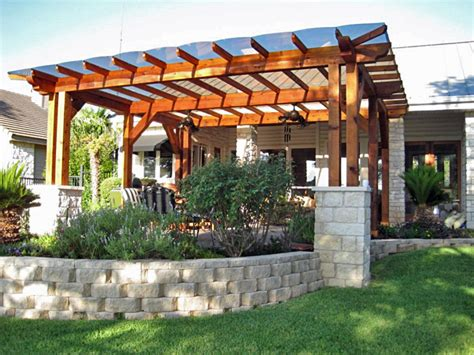 stainless steel gate pergola with polycarbonate roofing