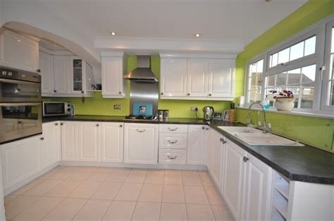 lime green kitchen cabinets 25 best ideas about lime green kitchen on pinterest
