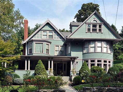 colonial revival architecture shingle style eclectic stick style swiss chalet tudor usonian