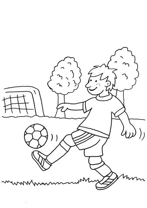 dibujos niños jugando futbol para colorear ni 241 o peloteando con el p 237 e dibujo para colorear e imprimir