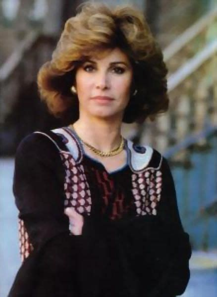 stephanie powers hairstyles in the series hart to hart 34 best hart to hart best of the 70s to the 80s images on