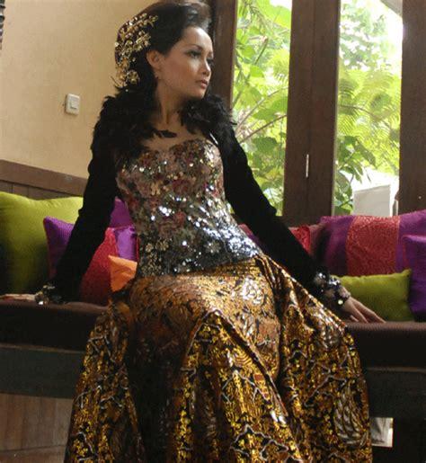 Rok Batik Layer 7 8 saqueena kioko haruko gaun batik untuk pernikahan