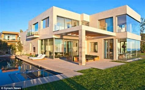 Footballers Cribs by Footballers Cribs 174 On Quot David Beckham S House In