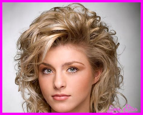 Sassy Medium Hairstyles by Sassy Medium Length Hairstyles Livesstar