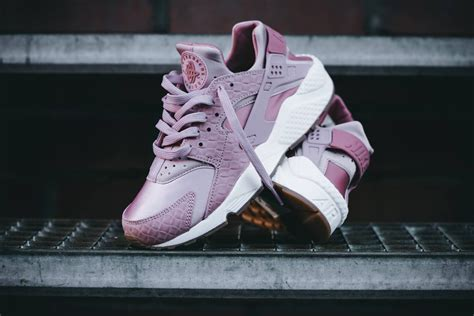Sepatu Nike Huarache Ultra Made In nike air huarache ultra purple white trainer