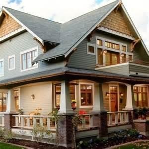 Craftsman Style House Plans With Wrap Around Porch by Like The Cedar Shake Siding On Peak Houspiration