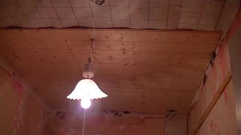 pose d un plafond en lambris bois m 233 thode facile