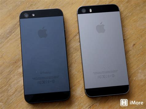 The difference between the Space Gray iPhone 5s and the
