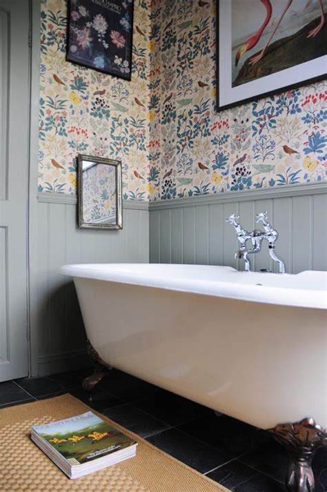 Wallpaper Wainscoting Ideas by Best 25 Painted Wainscoting Ideas On